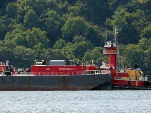 "State calls Hudson River oil barge storage plan ""unacceptable"""