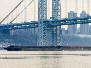 Backlash over plan to park oil barges on Hudson