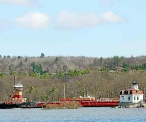 Hudson River activists plan 10-day voyage down the river