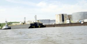 Gas Barge Grounding in New York Shows Risk of Turning Hudson River into 'Pipeline on Water'