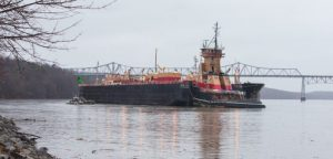 Poor visibility, pilot error cited in Hudson River barge grounding
