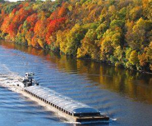 Op-Ed opposes legislation restricting oil barges on the Hudson
